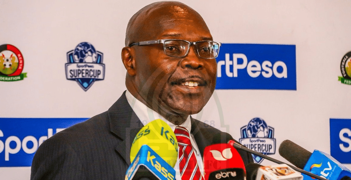 Photo of Gor Mahia chairman Rachier gives a statement on Walusimbi's move to Keizer Chiefs